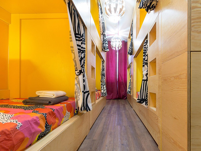 Hostels InDaHouse